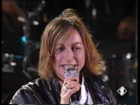1993 ITALY – TV @Festivalbar Verbania with Gianna Nannini – Bell'Amica