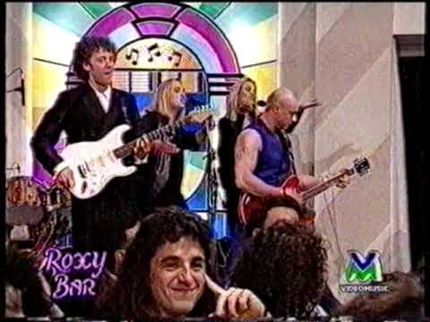 1993 ITALY – TV @Roxybar with Right Said Fred – Hands Up