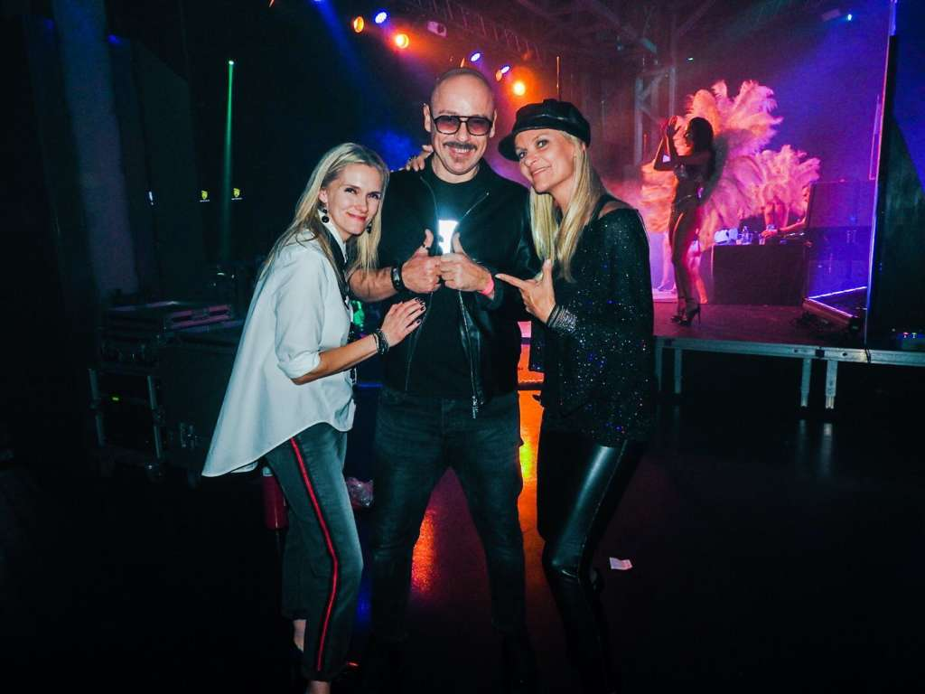 """Nathalie & Kim with Roby Santini, the producer of """"Boogie Baby"""""""